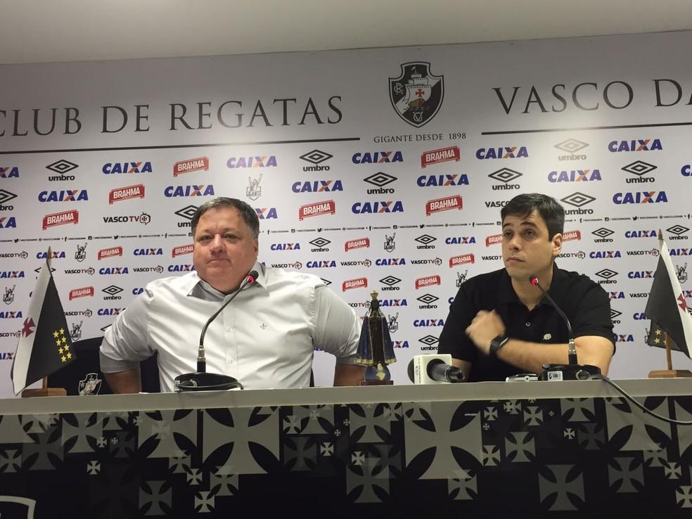 Anderson ao lado de Eurico Brandão, o Euriquinho, vice-presidente de futebol do Vasco (Foto: Sofia Miranda / Globoesporte.com)