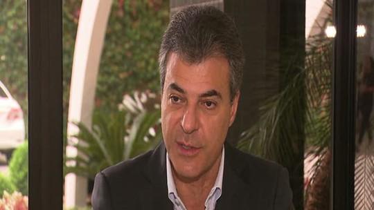 Governador Beto Richa fala sobre denúncias que envolvem o nome dele