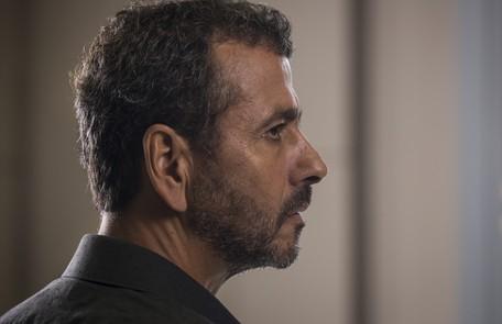 Na quarta (3), Amadeu (Marcos Palmeira) mostrará para Maria da Paz (Juliana Paes) que Régis (Reynaldo Gianecchini) é frequentador do cassino Reprodução
