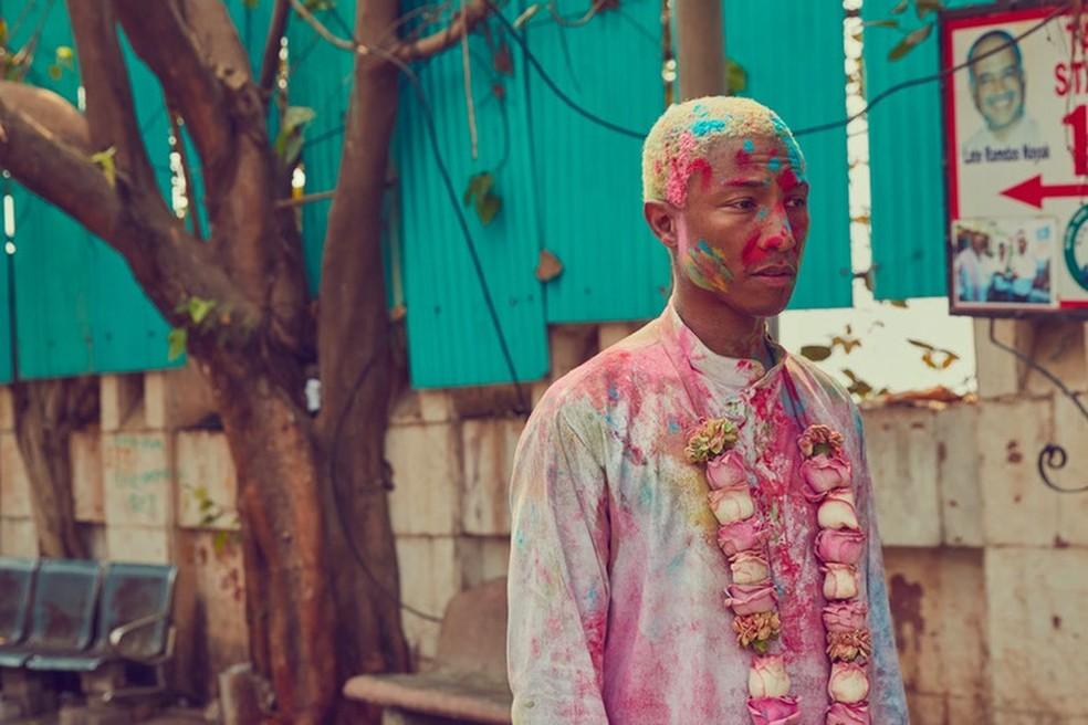 -  Coleção de tênis e roupas feita em parceria pelo rapper Pharrell Williams e Adidas é acusada de apropriação cultural por líderes hinduístas  Foto: Di