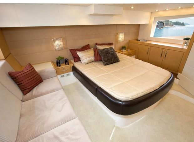 Schaeffer 580: Suíte ampla tem sofá que pode ser convertido em cama (Foto: Divulgação)