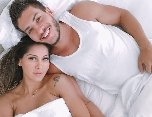 Mayra Cardi e o marido, Arthu Aguiar, em foto postada no início de junho (Foto: Reprodução / Instagram)
