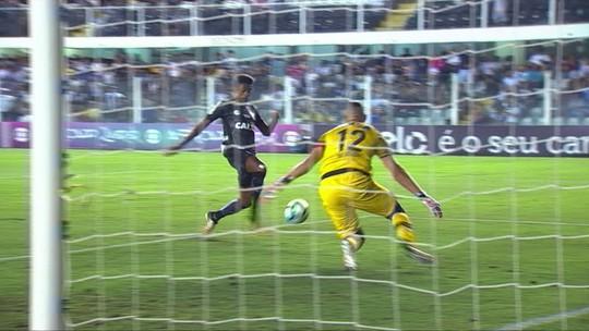 Santos volta a ganhar do Atlético-PR e assume a vice-liderança do Brasileiro