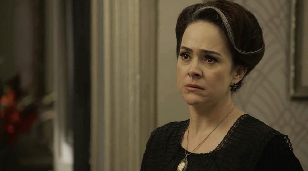 Julieta é firme com Susana e coloca a assistente para fora de sua casa e de sua vida  (Foto: TV Globo)