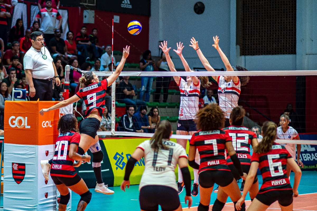 Lorenne e Tainara desequilibram o clássico, e São Paulo-Barueri vence o Flamengo pela Superliga - globoesporte.com