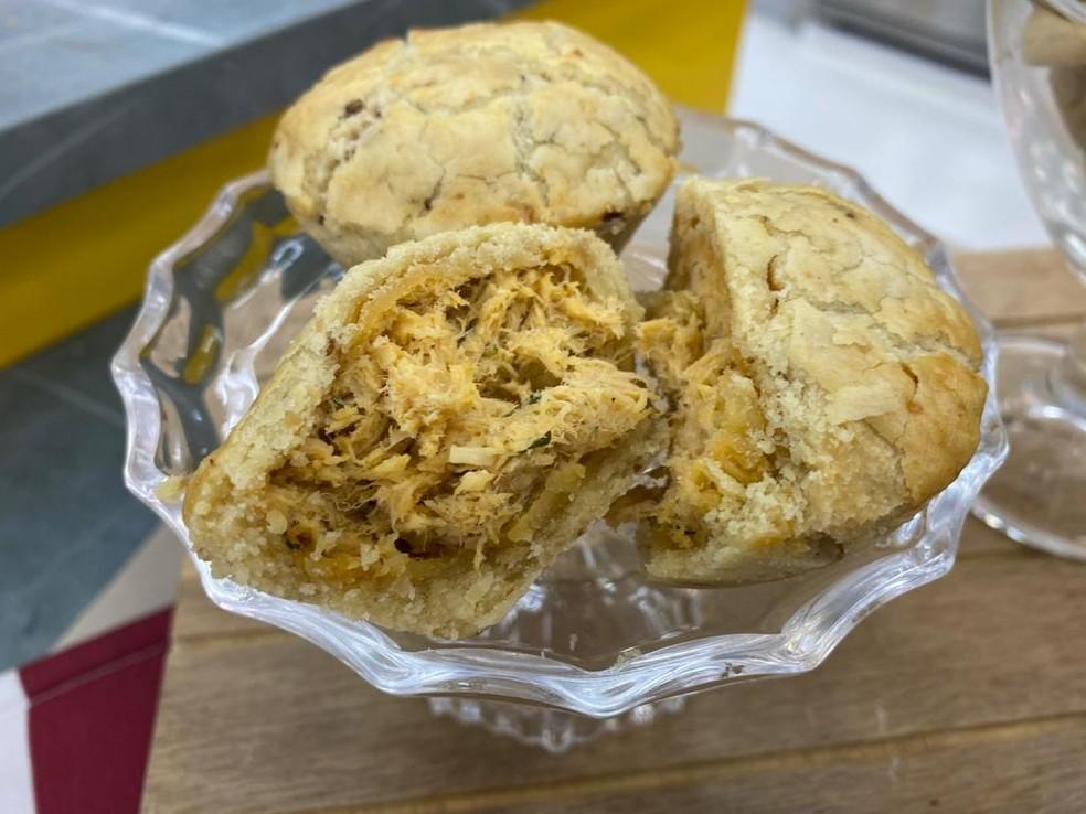 Você também pode deixar os Biscoitinhos de Cebola em formato de empadinha — Foto: Dani Meira/TV Globo