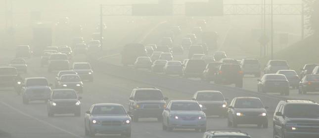 Poluição do ar causada por automóveis