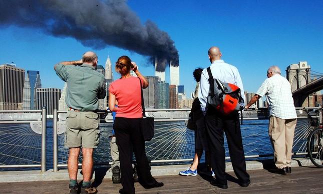 O atentado ao World Trade Center observado do Brooklyn