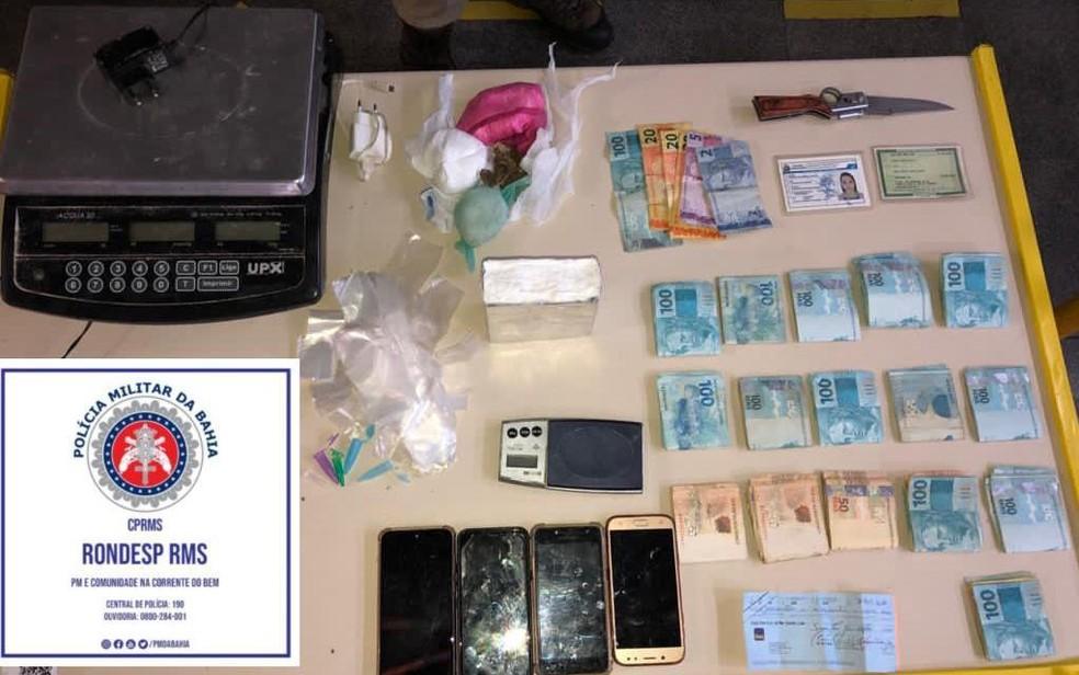 Drogas e dinheiro foram apreendidos em Salvador — Foto: Divulgação/SSP-BA