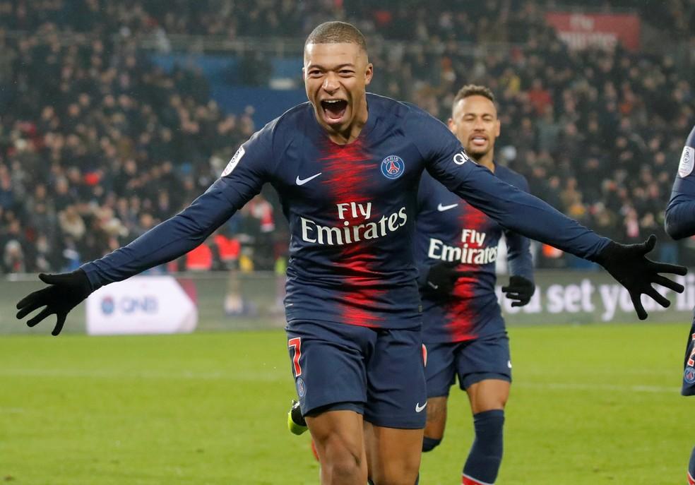 ... Kylian Mbappé chegou a 17 gols no Francês e empatou com Messi na  liderança da Chuteira 4a9cfc1fb5626
