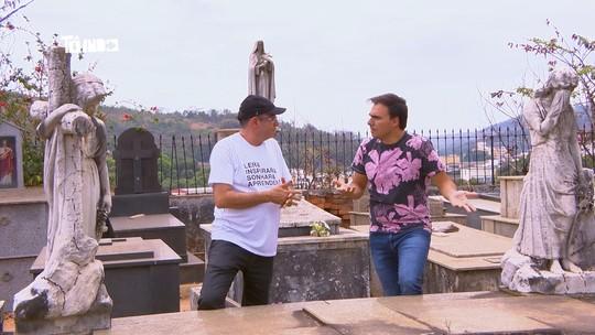 Reveja: Mário conhece apaixonado por túmulos e contador de 'causos'