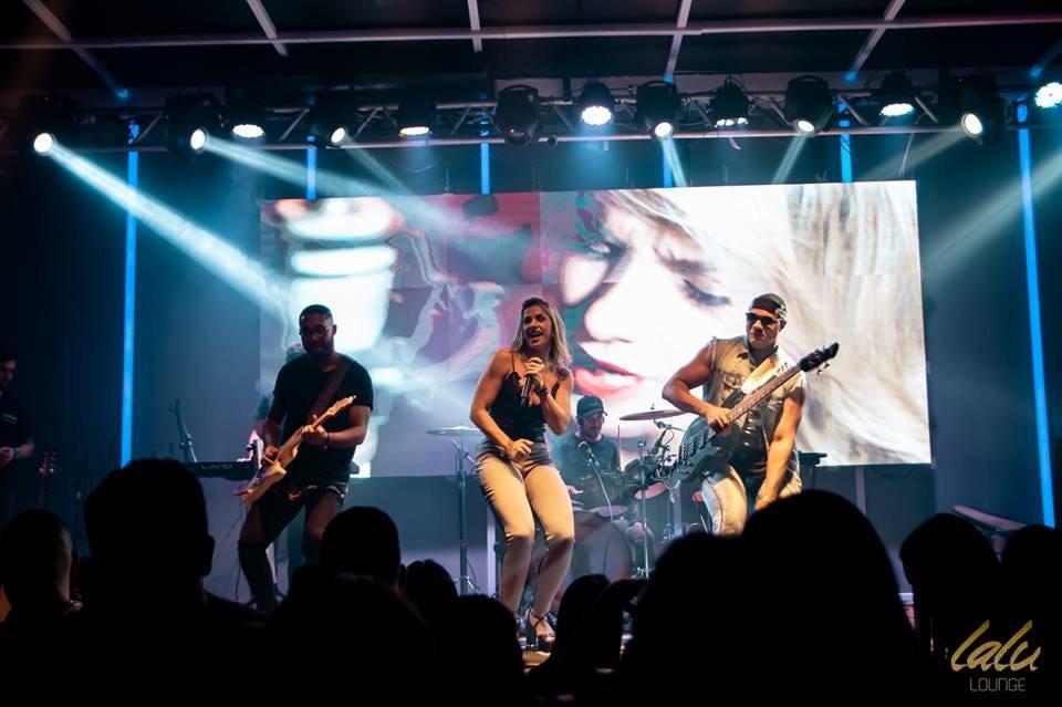 """""""Sou a única mulher da banda e os homens sempre elogiam minha voz e a vibração dos meus shows"""", diz Yara (Foto: Divulgação)"""