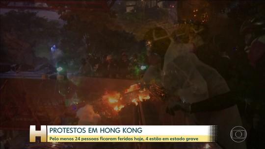 Polícia cerca e invade Universidade Politécnica de Hong Kong