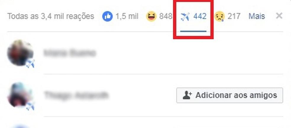 Emoji de avião fica disponível por acidente no Facebook (Foto: Reprodução/Eduardo Manhães)