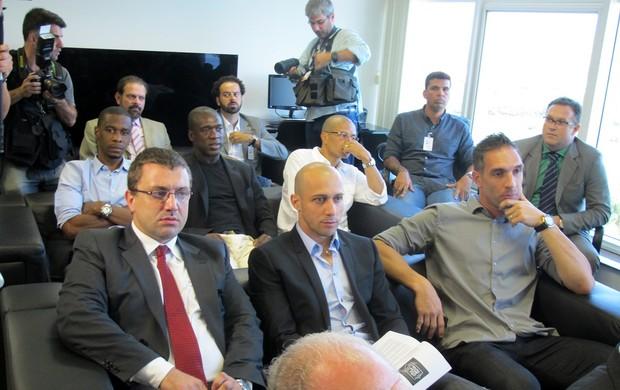Juan, Seedorf, Alex e Fernando Prass reunião CBF (Foto: Thales Soares)