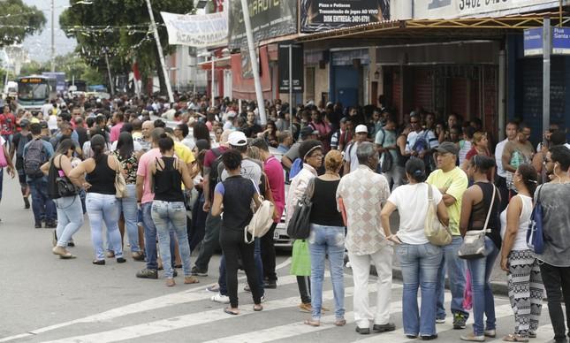 Fila do emprego no Rio
