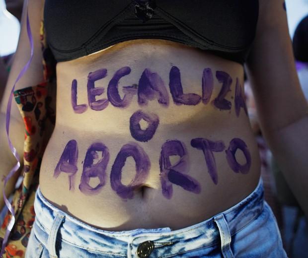 PEC 181 quer criminalizar aborto em caso de estupro, gravidez de risco e feto anencéfalo (Foto: Getty)