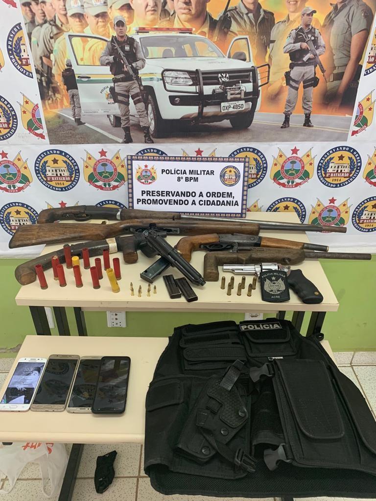 Em ação, PM apreende sete armas e colete balístico com quadrilha no interior do AC - Notícias - Plantão Diário