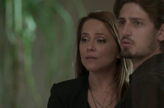 Vivianne Pasmanter e Daniel Rocha em cena como Lili e Rafael em 'Totalmente demais' (Foto: Reprodução)