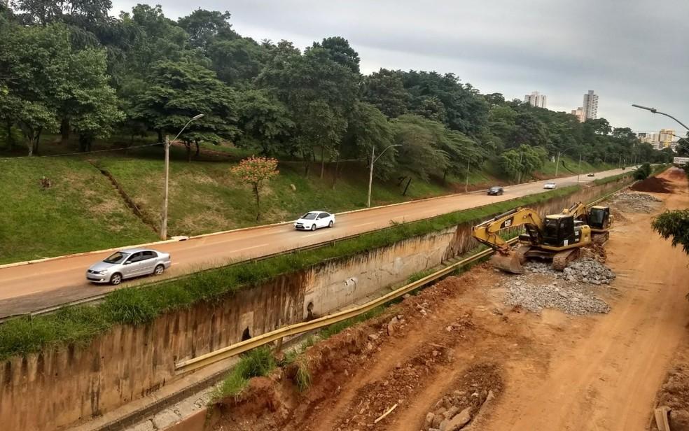 Uma das pistas da Marginal Botafogo foi liberada após obras de reparo, em Goiânia (Foto: Mariana Pinheiro/TV Anhanguera)