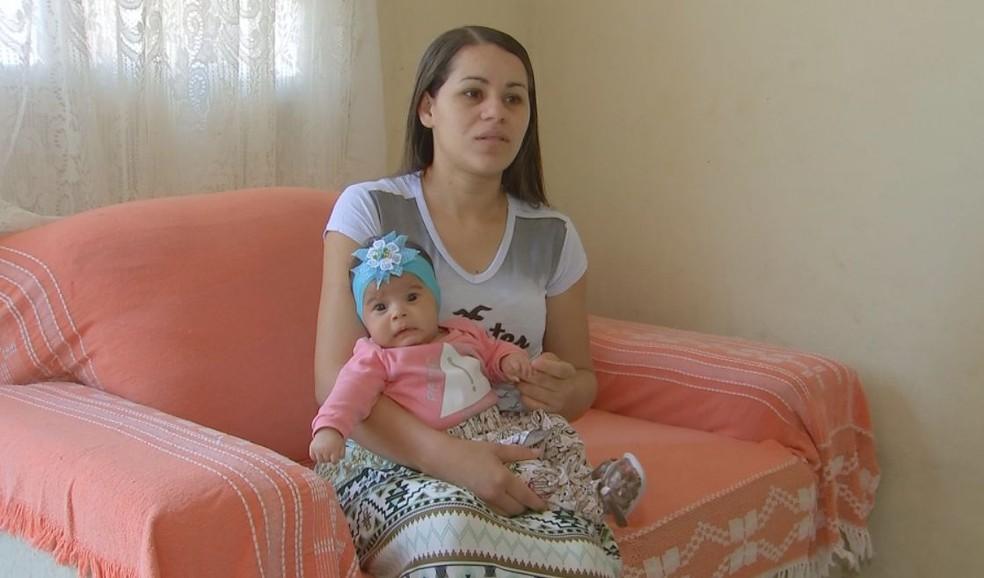 Pais da bebê fizeram questão de registrá-la como boraense  (Foto: Reprodução / TV TEM )