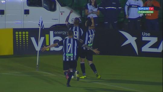 """Hemerson festeja evolução do Figueirense: """"Cabeça fria para analisar"""""""