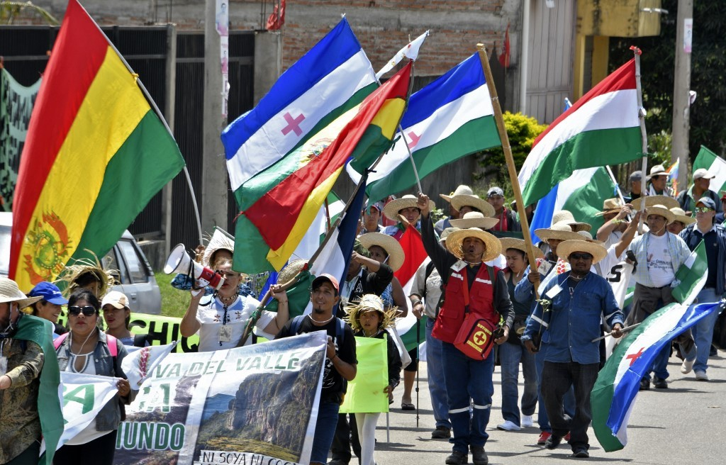 Indígenas na Bolívia marcham contra política ambiental de Evo Morales - Notícias - Plantão Diário