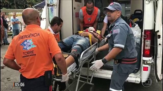 Corpo de torcedor que morreu ao cair do estádio do Morumbi segue no IML de SP