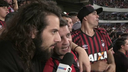 VAR improvisado, torcida e festa: Cartolouco mostra bastidores da Arena da Baixada