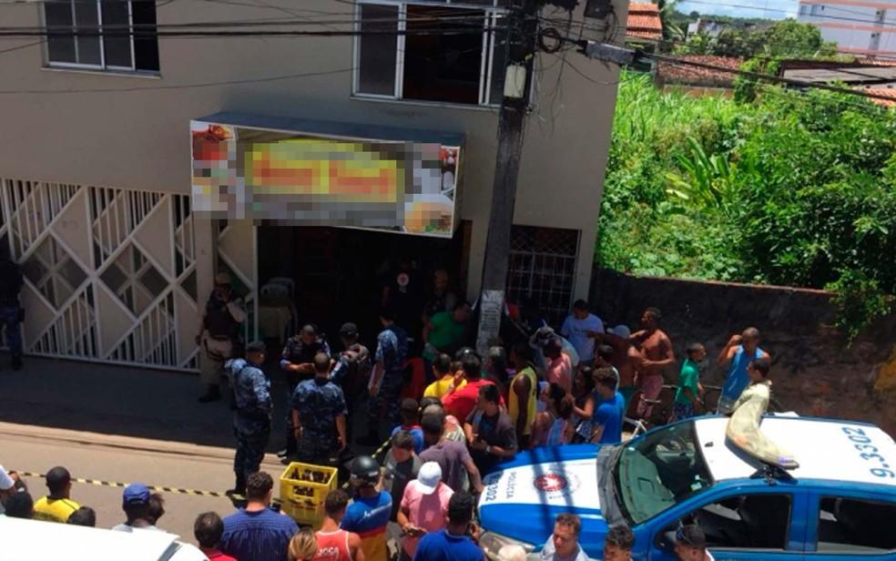 Homem matou ex-mulher a tiros na frente do filho do casal e depois cometeu suicídio em Valença, no baixo sul da Bahia (Foto: Livre Notícias)