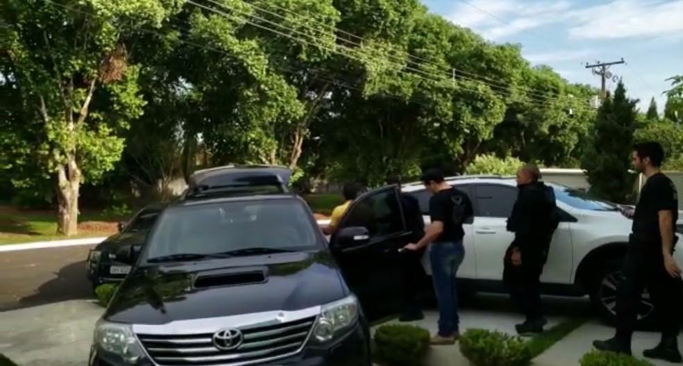 Chaules foi preso em casa em Ariquemes.  — Foto: Polícia Federal/Reprodução