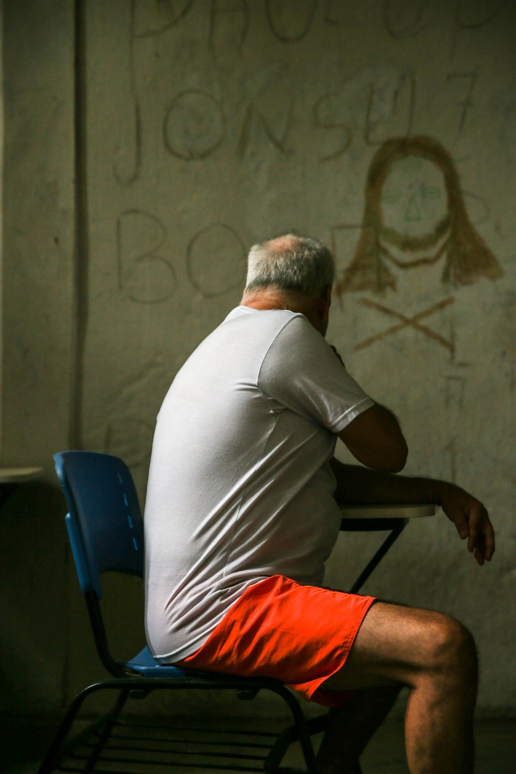 Estados têm reduzido o número de presos em delegacias; superlotação nos presídios, porém, continua alta — Foto: Natinho Rodrigues/TV Verdes Mares