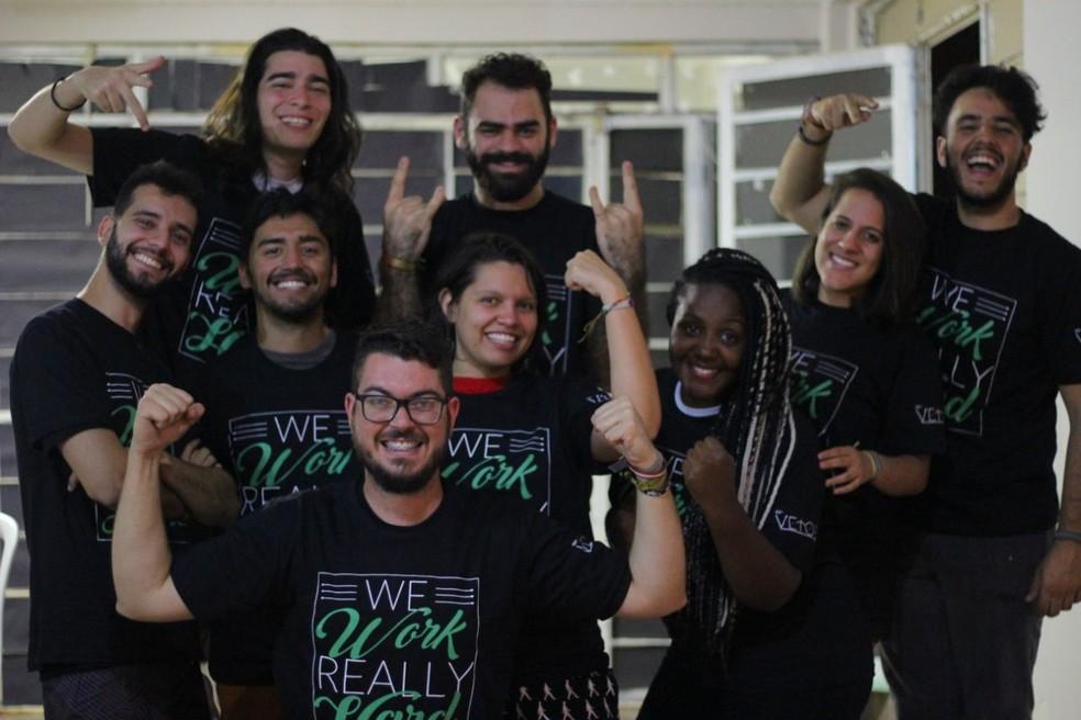 Jovens que fazem parte do projeto da Aiesec (Foto: Brenno Ribeiro/Divulgação)