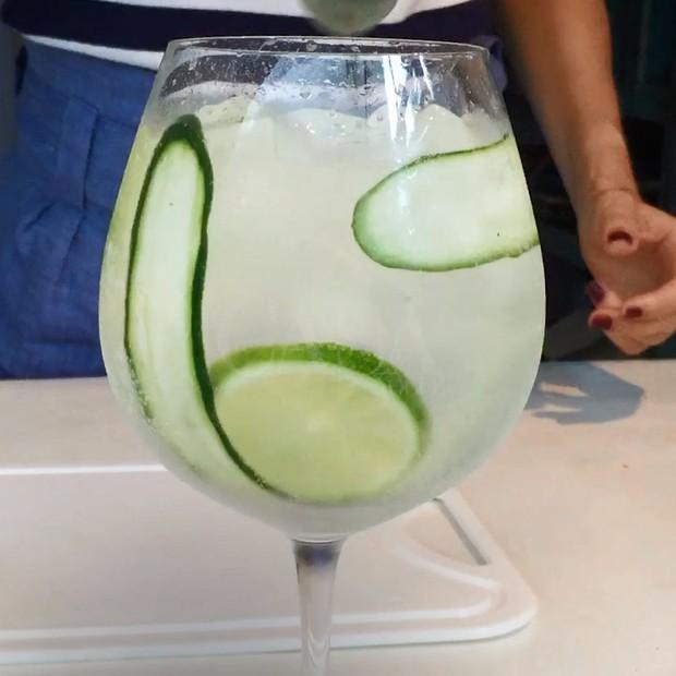Gin tônica à espanhola: aprenda drink refrescante (Foto: Reprodução)