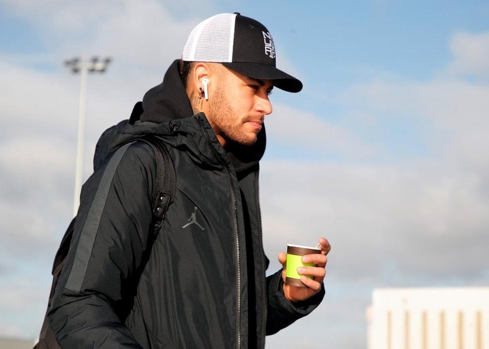 Neymar foi alvo da Receita em 2015, após transferência para o Barcelona — Foto: Reprodução/Twitter