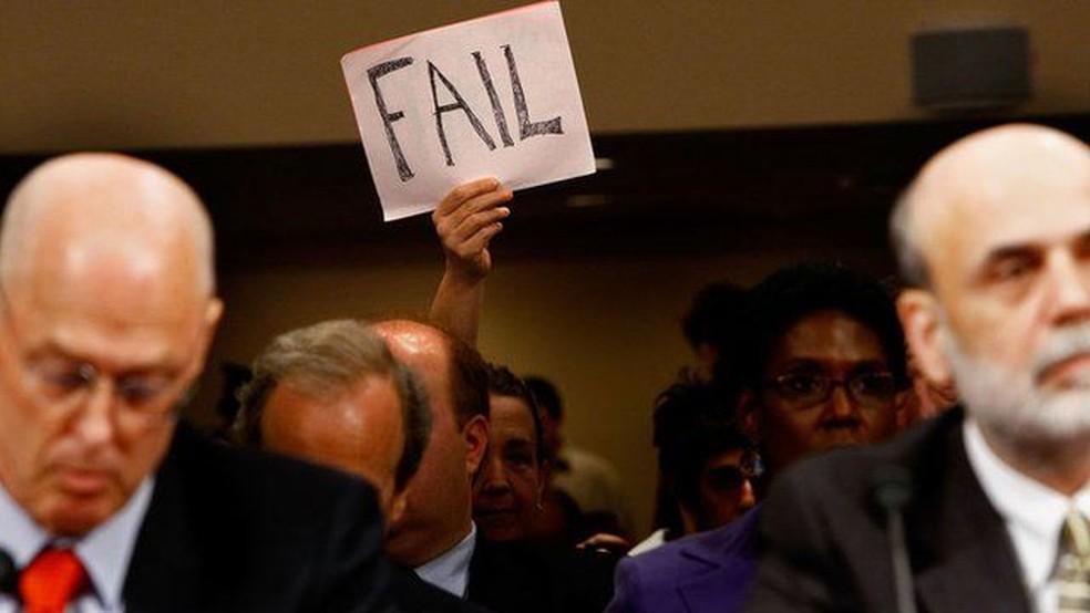 O secretário do Tesouro, Henry Paulson, e o presidente do Fed, Ben Bernanke, comandaram as ações anticrise em 2008 — Foto: Getty Images