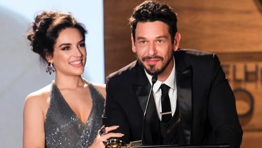 Kéfera recebe elogio de João Vicente de Castro por sua estreia na TV: 'Grande atriz'