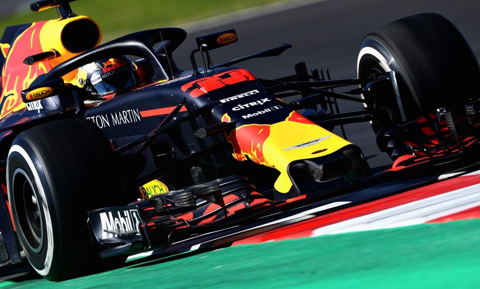 Verstappen mostrou velocidade, mas teve problemas na pré-temporada (Foto: Getty Images)