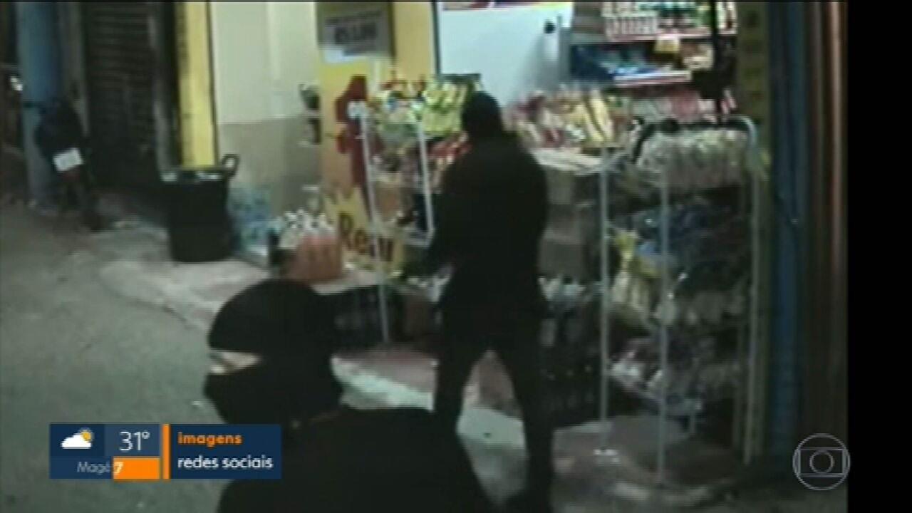 Milicianos invadem Gardênia Azul e moradores agora pagam taxas para dois grupos