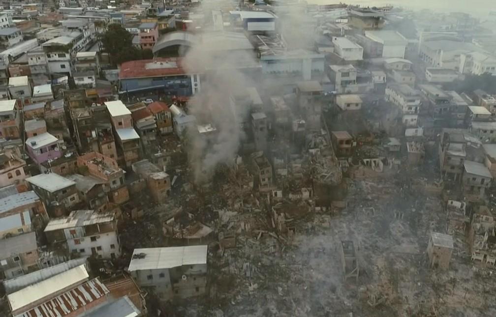 Local atingido pelo incêndio, 600 casas foram destruídas — Foto: Michel Castro/Rede Amazônica
