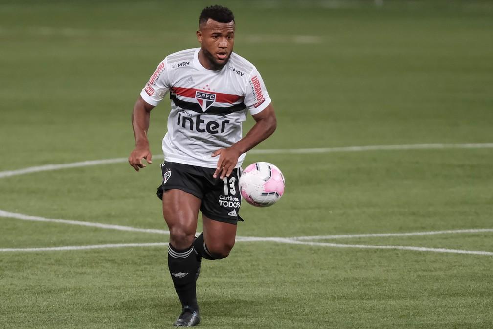 Luan em ação pelo São Paulo no clássico contra o Palmeiras — Foto: Marcello Zambrana/Estadão Conteúdo