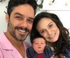 Marcelo Cavalcanti e Aline Fanju posam com Teresa | Arquivo pessoal