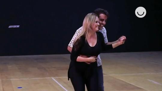 Ricardo Pereira e Ellen Rocche aprendem a dançar maxixe para 'Éramos Seis'; veja os ensaios!