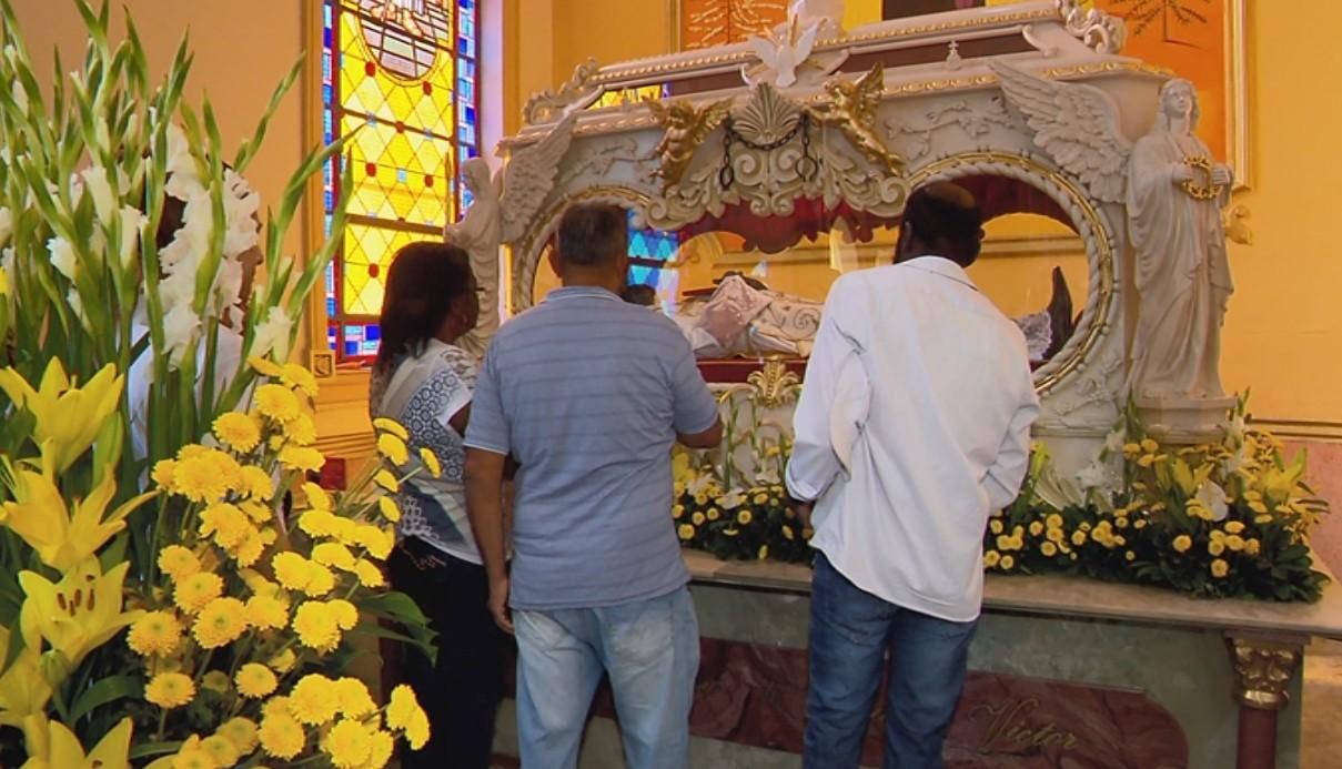 Festa de 116 anos de morte do beato Padre Victor acontece em formato híbrido em Três Pontas, MG
