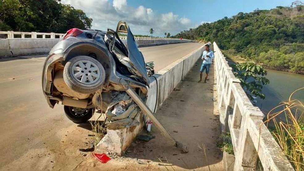 Acidente aconteceu na PE-072, entre os municípios de Rio Formoso e Tamandaré (Foto: Reprodução/WhatsApp)