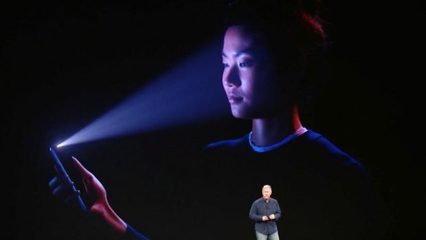 Face ID, da Apple, foi mencionado em processo de US$ 1 bilhão de Ousmane Bah (Foto: Divulgação/Apple)