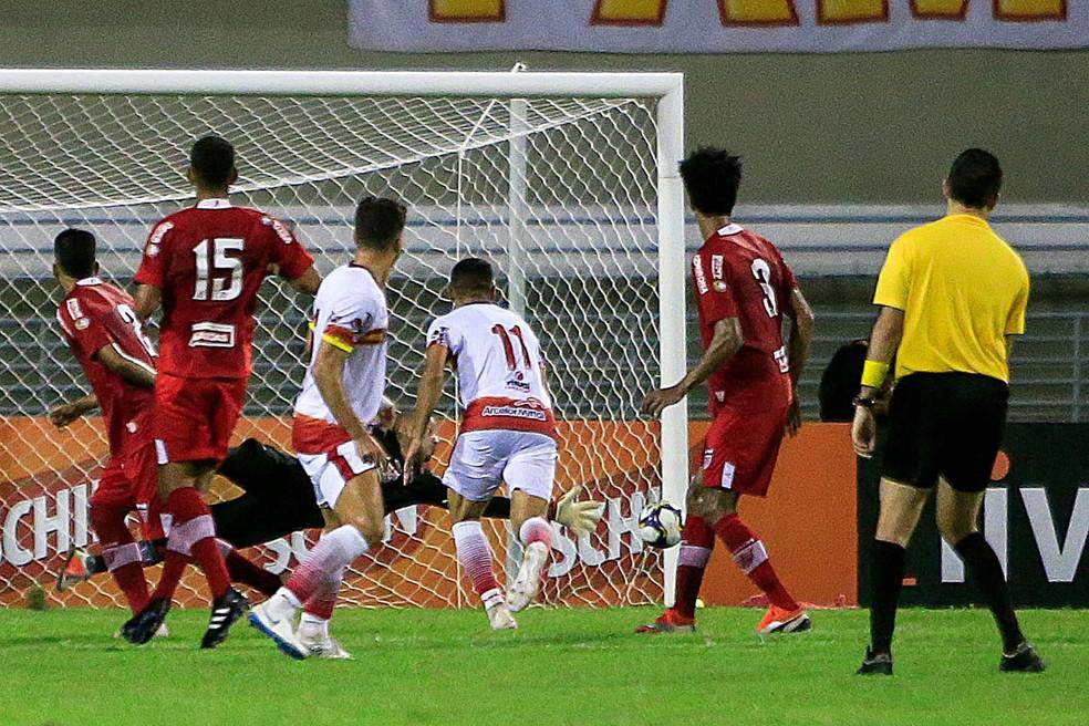 CRB terminou o jogo sendo pressionado pelo Juazeirense — Foto: Ailton Cruz / Gazeta de Alagoas