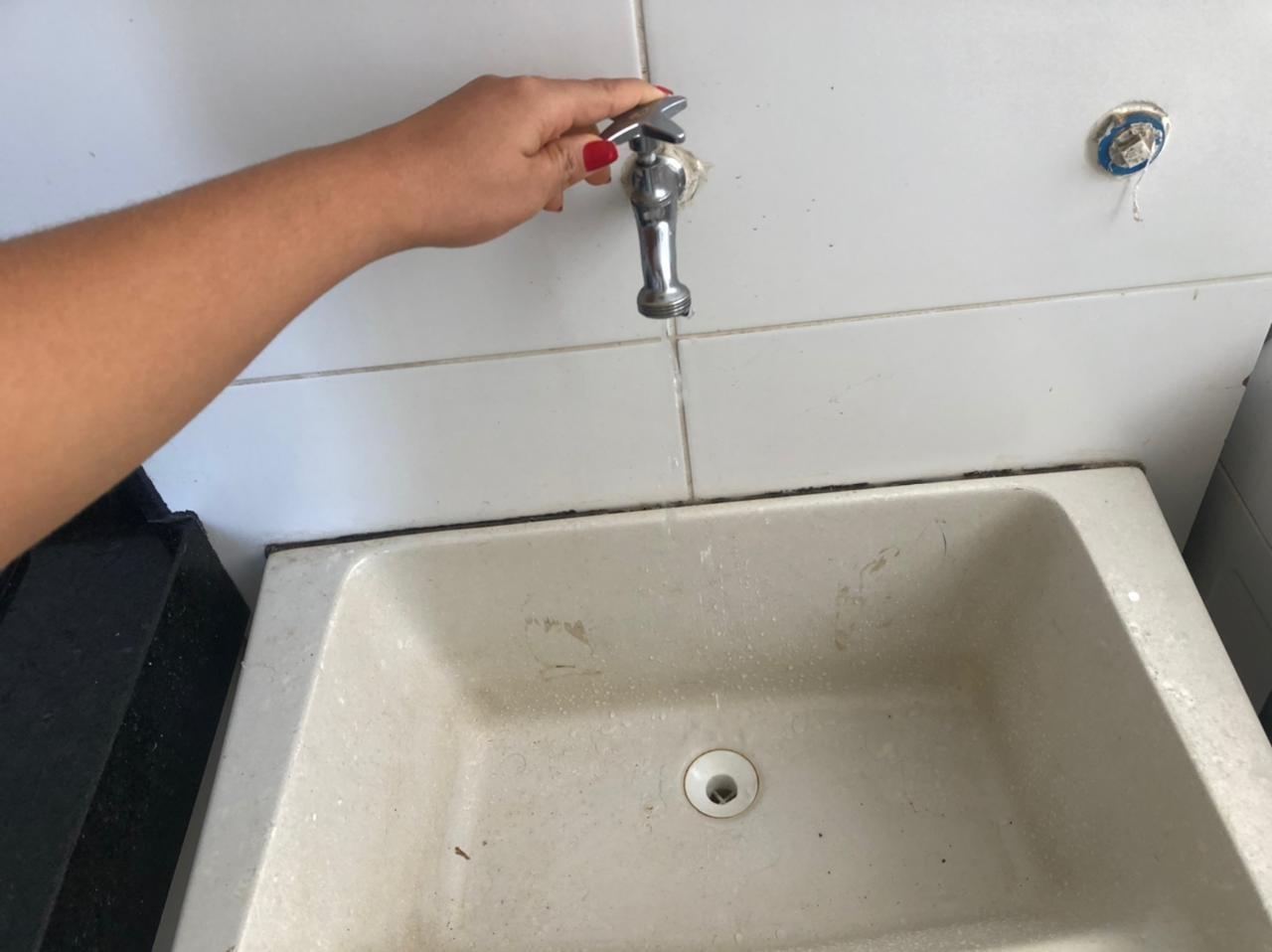 Embasa anuncia suspensão do fornecimento de água em bairros da capital baiana; veja locais