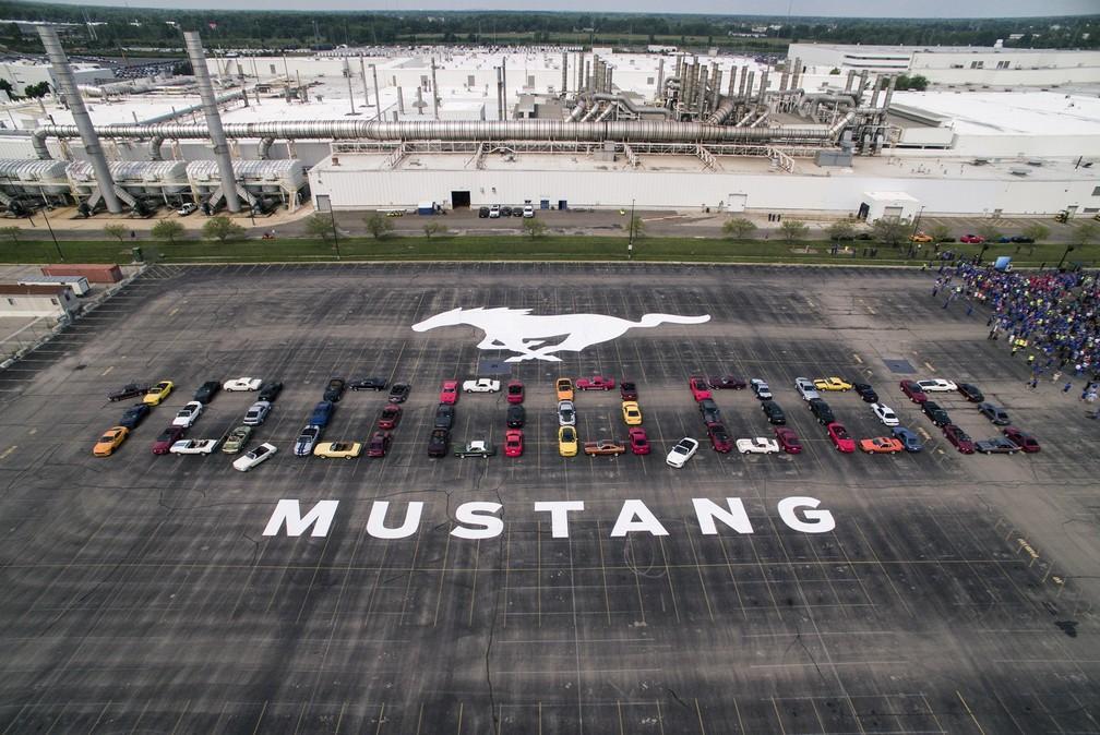 Mustang completou 10 milhões de unidades produzidas. Empresa fez comemoração em Michigan, nos EUA (Foto: Ford/Divulgação)