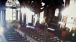 Vídeo mostra os tiros na igreja (G1)